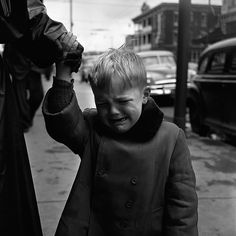 The Secret City of Vivian Maier Photos from one of America's greatest unknown street photographers Best Street Photographers, Great Photographers, Vivian Maier Street Photographer, Vivian Mayer, John Bennett, Fotojournalismus, Mother Jones, Photojournalism, Street Photography