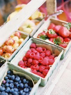 Bohemian Summer Inspiration Fruit bar/ buffet, instead of fruit salad Fruit Box, Fruit Stands, New Fruit, Fruit And Veg, Fresh Fruit, Fruit Juice Recipes, Fruit Drinks, Summer Berries, Summer Fruit