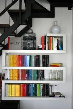 La mia nuova libreria zig zag fatta con mensole lack di for Mensole ikea lack