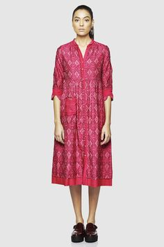 <p>The Poetry of Ikat collection presents a front open, two pattern mandarin collar ikat dress.</p>$16,990.00