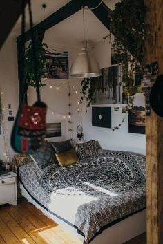 Cozy bedroom decor ideas - home sweet home - Wohnung Cozy Bedroom, Dream Bedroom, Girls Bedroom, Trendy Bedroom, Modern Bedroom, Hip Bedroom, Bedroom Black, Bedroom Green, Boho Bedroom Diy