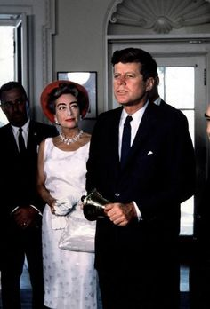 Joan Crawford with John Fitzgerald Kennedy John Kennedy, Jacqueline Kennedy Onassis, Caroline Kennedy, Joan Crawford, Vintage Hollywood, Classic Hollywood, Jack Kirby, Die Kennedys, Divas