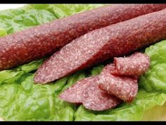 How To Make Sausage, Food To Make, Curing Salt, My Favorite Food, Favorite Recipes, Food 101, Romanian Food, Smoking Meat, Sausage Recipes