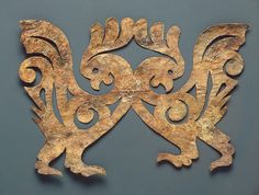 Leather applique: Cockerels - Pazyryk Culture, century BC - Found: Altai Territory, Pazyryk Boundary, the Valley of the River Bolshoy Ulagan. Art Corner, Celtic Art, Iron Age, Dark Ages, Ancient Artifacts, Ancient Civilizations, Fabric Painting, Art History, European History