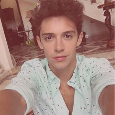 """violetta-s3: Hors serie """"article special soy luna"""""""