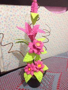 Arranjo rosa de flores em EVA