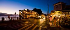 Lahaina offers great shops, good food, relaxed atmosphere...of course all right on the Pacific Ocean.