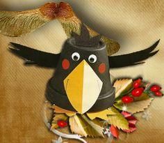 Őszi dekoráció cserépből.