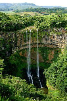 The  majestic  Tamarind  Falls  in  Mauritius