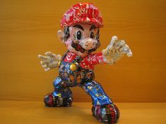 Mario made ​​from cans makaon san Japanese artist's work