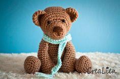 Sweet bear crochet pattern by CreaLien at https://www.etsy.com/listing/167899355/instant-download-crochet-pattern-pdf