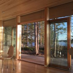 Villa K&Y @ Lake Saimaa archipelago, Savonlinna, Finland Lakeside Cottage, Weekend House, Cottage Porch, Cottage Homes, Summer House Inspiration, Cottage Windows, Cottage Design, Dream Cottage, House In The Woods