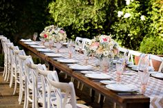 La Tavola Fine Linen Rental: Sequin Chevron Nude and White Table Runner | Photography: Vero Suh Photography, Event Coordination And Floral Design: WedSpring