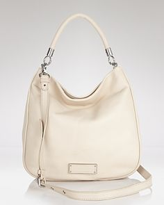 LOVE the subtle structure of the new Marc Jacobs bag!!