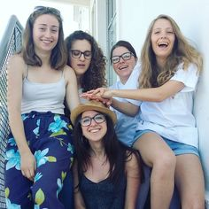 A nous les vacaaaaances ! ��  #girl #frenchgirl #friends #friendship #happiness #holidays #summer #seeyousoon #loveyou #esi #student #nurse http://butimag.com/ipost/1553570835822130549/?code=BWPZHGqlbV1