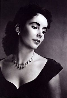Elizabeth Taylor, 1940s--I love the classic look she has. I want that look. Classic Elegance.