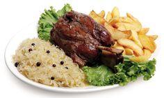STINCO  600 gr. di stinco di maiale cucinato al forno servito con crauti e patate a spicchio... Altro che pozione Magica!!