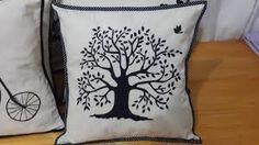 Resultado de imagen para almohadones pintados a mano