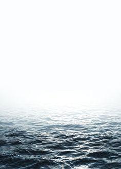 Poster med foto av havet. 279,- Desenio