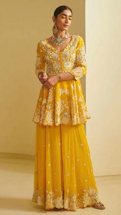 Party Wear Indian Dresses, Indian Gowns Dresses, Dress Indian Style, Indian Fashion Dresses, Indian Outfits, Sharara Designs, Kurta Designs Women, Lehenga Designs, Yellow Lehenga