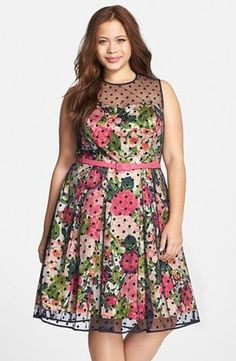5-chic-floral-dresses-for-plus-size-girls-that-you-will-love-3