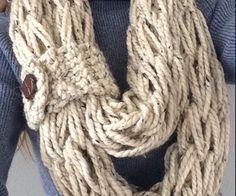 Arm Knitting Step By Step : Diy arm knitting minute infinity scarf youtube