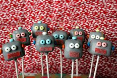 Robot Cake Pops Robot cake pops for a 5 year-old's party. Cake flavor inside is yellow cake with vanilla frosting. Boy Birthday Parties, 5th Birthday, Birthday Ideas, Robot Cake, Vanilla Frosting, Cake Flavors, Cakes For Boys, Kid Friendly Meals, Cake Pops