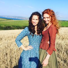 Behind the scenes on Poldark series Aidan Turner, Heida Reed and Eleanor Tomlinson pictured having a 'selfie break' on set Poldark 2015, Demelza Poldark, Ross Poldark, Bbc Poldark, Poldark Actors, My Fair Lady, Peaky Blinders, Downton Abbey, Outlander