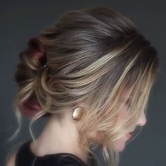 New Photos Homecoming Hairstyles videos Tips Each young lady aspirations for you to become the homecoming queen. Hair Upstyles, Long Braids, Hair Videos, Hairstyles Videos, Braided Hairstyles, Wedding Hairstyles, Bridal Hair, Hair Inspiration, Curly Hair Styles