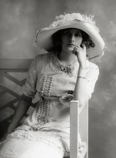 Phyllis Le Grand by Bassano, 1911.