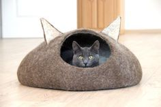 Pets bed / Cat bed - cat cave - cat house - eco-friendly handmade felted wool cat bed - natural brown and natural white by AgnesFelt on Etsy https://www.etsy.com/listing/214363820/pets-bed-cat-bed-cat-cave-cat-house-eco