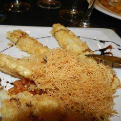 Esparragos rellenos de muselina de langostinos Restaurante Nela