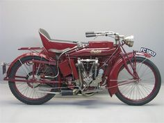 1914 Indian Power Plus, IOE pocket valve, 1000cc, V-twin engine. Note the rear swingarm suspension!
