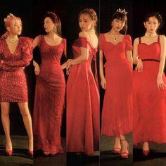Stage Outfits, Kpop Outfits, Seulgi, Red Velvet Photoshoot, Red Velet, Velvet Wallpaper, Queens, Red Velvet Cheesecake, Velvet Fashion