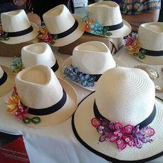 Sombreros con #tembleques  con todo el cariño y el detalle de #FolkinLove #Panamá #Folklore