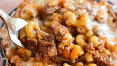 Remember the other day I gave you Stove Top Low Syn Pulled Pork? Well you are going to just love this Low Syn Pulled Pork Pasta Bake. Here on this side of the atlantic, Pulled Baked Pasta Recipes, Pork Recipes, Slow Cooker Recipes, Cooking Recipes, Healthy Recipes, Healthy Foods, Cooking Ideas, Chicken Recipes, Loosing Weight