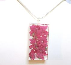 pressed flowers resin jewelry