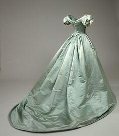 Crinolines et Cie - Costumes et sorties historiques: Robes crinolines