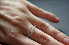 playing with wire: twisted ring | Bobbin Lace Making