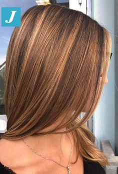 Degradé Joelle The uniqueness and perfection of shades Degradé Joelle! Brown Hair With Blonde Highlights, Honey Blonde Hair, Brown Hair Balayage, Brunette Hair, Caramel Hair Highlights, Caramel Hair Honey, Light Caramel Hair, Caramel Hair With Brown, Honey Brown Hair Color