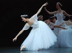 "Yuhui Choe in Royal Ballet's ""Les Sylphides""     http://www.ballet.co.uk/albums/jr_royal_ballet_sylphides_sensorium_firebird_roh_0509/jr_sylphides_choe_morera_dip_047_500.jpg"