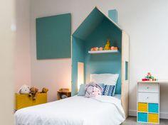 DIY : Comment fabriquer un lit cabane One Bedroom, Kids Bedroom, Boho Nursery, Nursery Decor, Diy Lit, Nursery Wallpaper, Kids Decor, Home Decor, Nursery Design