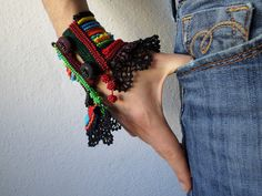 FreeForm crochet brassard colorée perles par irregularexpressions