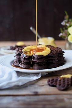 Brownie Waffeln mit Karamellpudding und Karamellsauce - Brownie Waffles with caramel custard and caramel sauce (6)
