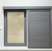 1000 images about volets on pinterest en vogue home renovation and shutters. Black Bedroom Furniture Sets. Home Design Ideas