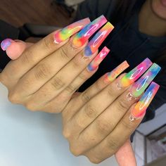Nail art Christmas - the festive spirit on the nails. Over 70 creative ideas and tutorials - My Nails Aycrlic Nails, Swag Nails, Hair And Nails, Nail Nail, Stiletto Nails, Coffin Nails, Tie Dye Nails, Sassy Nails, Exotic Nails