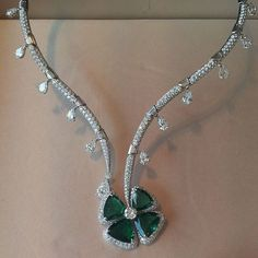"""The very elegant diamonds and emerald petals collar by Bulgari, from its most recent High Jewellery Collection """" Giardini Italiani"""", recently admired in Paris in their flagship boutique on Avenue Georges V. Thank you to the delightful Lucia Silvestri, Creative Director of the Maison for trying it on and showing to me, with the rest of the staff, the best pieces on display there @luciasilvestri #bulgarihighjewellerycollection #oneofakindgemstones #oneofakindjewels #floraljewellery…"""