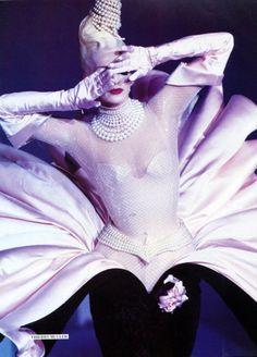 Thierry Mugler... www.fashion.net