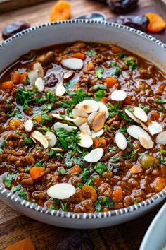 mediterranean recipes A quick and easy Moroccan tagine style dish, a beef stew with an amazing array of flavours! Beef Tagine Recipes, Moroccan Tagine Recipes, Moroccan Dishes, Beef Recipes, Cooking Recipes, Healthy Recipes, Moroccan Beef Stew, Moroccan Food Recipes, Healthy Food