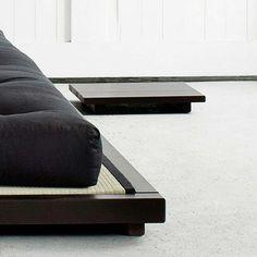 Karup futonbed Dock zwart - SasaStore / Stylish and space saving Mezzanine Floor, Style Oriental, Bed Platform, Style Japonais, Loft Room, Terrazzo, Space Saving, Dining Bench, Ottoman